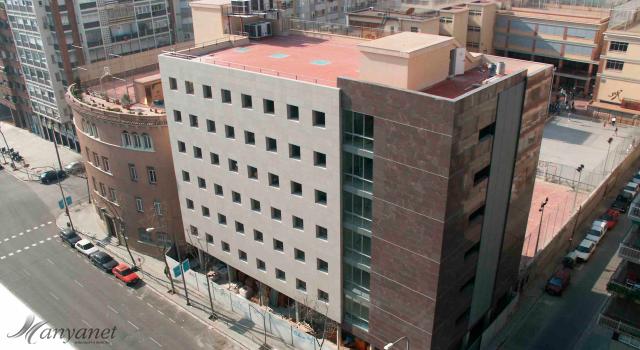 Manyanet Les Corts Edificio