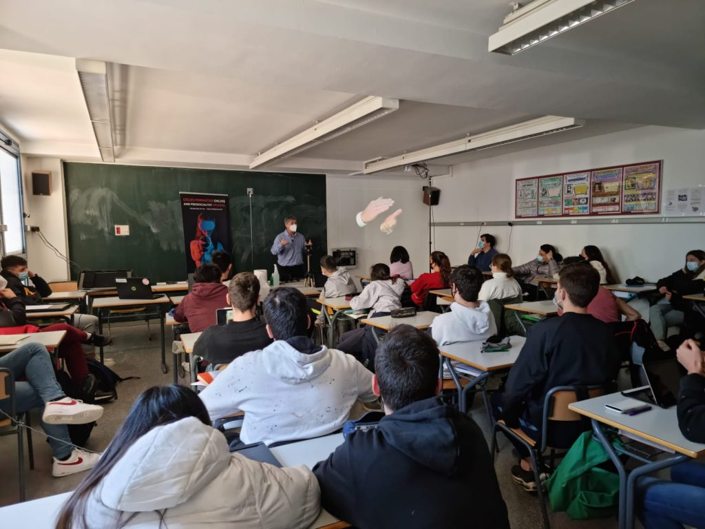 Presentación de ciclos y estudios superiores en Sant Andreu de Badalona
