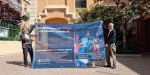 Entrega de pancarta en Manyanet Sant Andreu